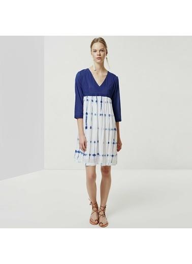 Yargıcı Kadın V Yaka Batik Elbise 0YKEL7102X Mavi